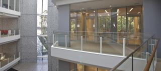 Ambassade de France au Japon / Okamura's Designed Workplace Showcase