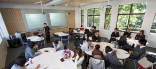 Kaetsu University / Okamura's Designed Workplace Showcase