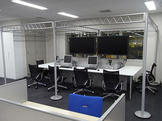 All Nippon Airways Co., Ltd. (ANA)/【Office area】(PHQ Area) Production Headquarters ANA and two affiliates comprehensively manage production from this space. Management is conducted with the lower-level maintenance facility while conducting monitoring.  The space incorporate symbolic trusses.