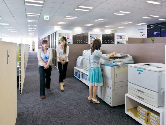 Hewlett-Packard Japan, Ltd./【Copier area】This magnet space consolidates the printer-copiers, shredders and other office equipment to promote communication.