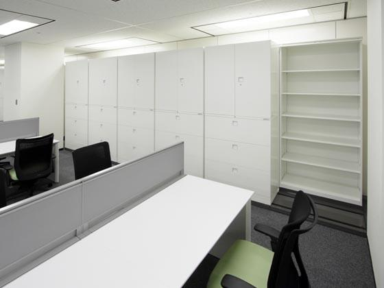 Kirin Kyowa Foods Company, Limited/【Cabinet area】Cabinets are consolidated for efficient use of the office area.