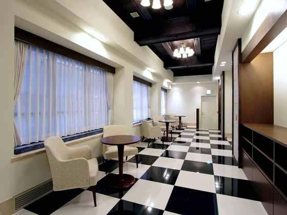 The Hokkoku Bank, Ltd./【3rd fl. Lobby】The interior reproduces the early Showa look.