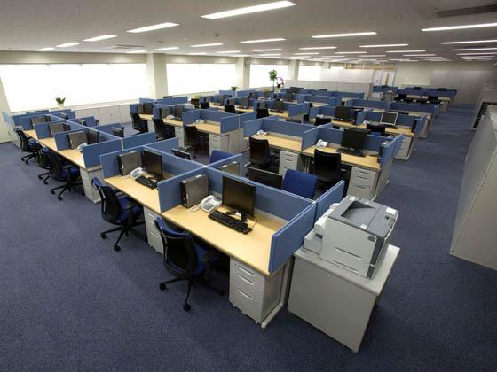COSMO SYSTEM, inc/【Office area】The open-style office area.