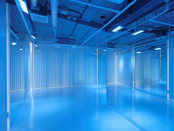 iibon.s/【Yoga studio】(Tonir - color yoga studio on 3rd fl.) The studio lit in blue light.