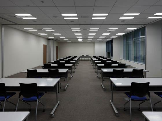 General Materials Manufacturer/【Meeting room area】The large meeting room can be flexibly divided into one to three rooms using movable room dividers.