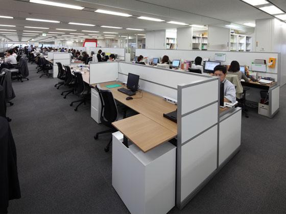 KAGOME CO., Ltd./【Office area】The workstations flexibly adapt to organizational changes.
