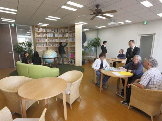 AUN CONSULTING, Inc./【AUN Café】The cafe-lounge promote interaction among staff members.
