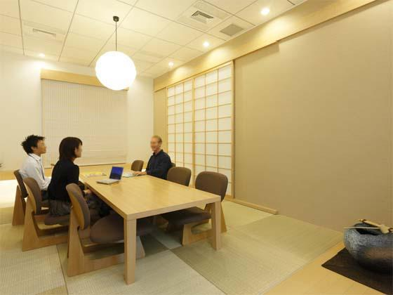 AUN CONSULTING, Inc./【Japanese-style meeting room】The Japanese style delights visitors from other countries.