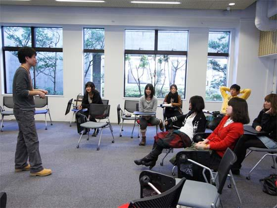Kaetsu University/【Dialogue-based lectures for small groups】Dialogue-based lectures for small groups Lectures involve small group discussions.
