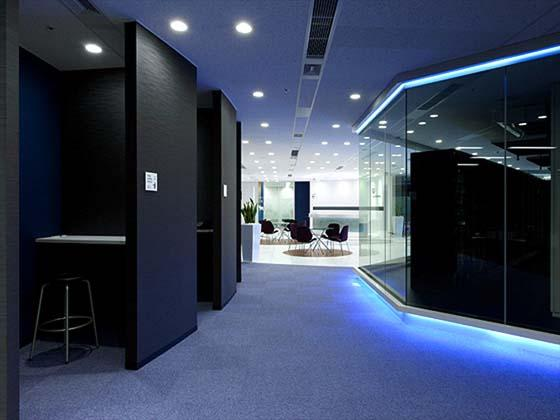 Global Knowledge Network Japan, Ltd./【Touchdown booth 】A space was also built that allows small jobs to be done between classes.