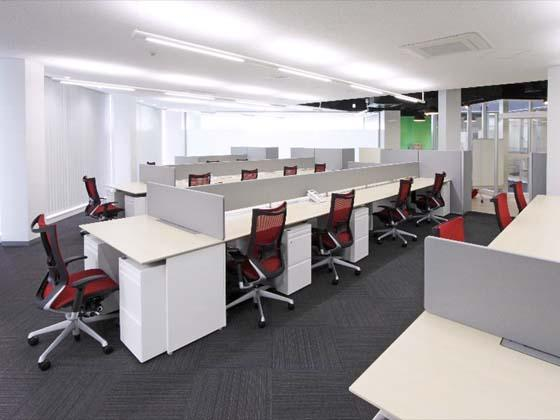 Kyowa Medical Corporation/【Office area】The design uses a radial layout centering on a light shaft.