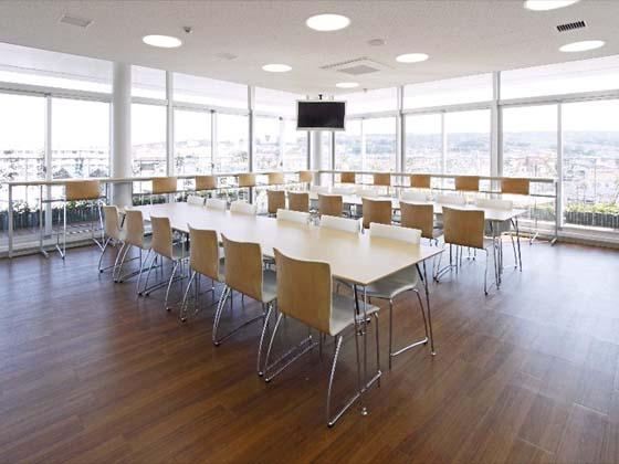 Kyowa Medical Corporation/【Break area】This open environment on the top floor affords a great view.