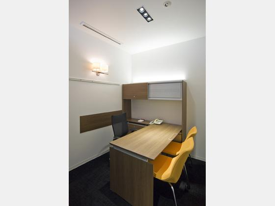 Plenus Company Limited/【Executive area (Executive office - executive area)】A space offering decisive speed for office work and meetings