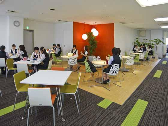 Plenus Company Limited/【Relaxation area】Relaxation space for concentrated working in which people can rest and have meals, etc.