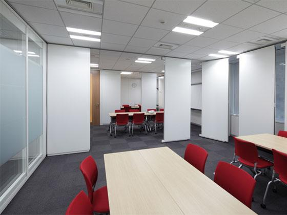 Suntory Flowers Limited/【Meeting rooms】Three adjacent meeting rooms comprised of movable partitions
