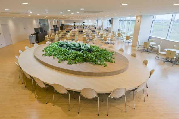Tokyo Electron Miyagi Limited/【Cafeteria】The cafeteria, which is open outside lunchtime as well, can be utilized for both on and off communication.