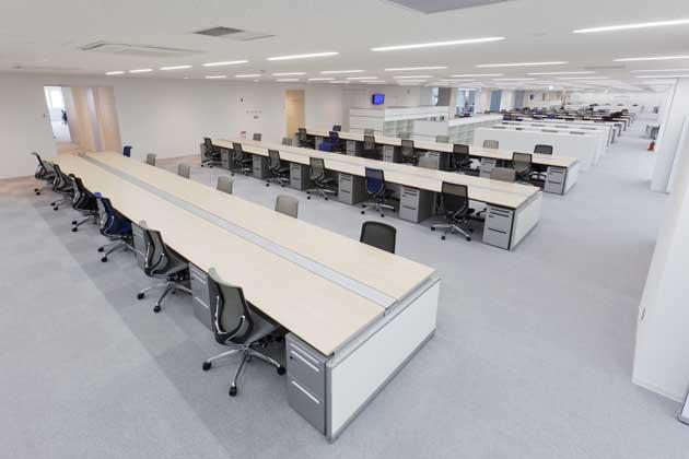 Tokyo Electron Miyagi Limited/【Office area 1】This is a flat type workstation placing importance on communication. (For production workers)