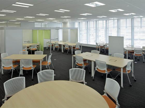 System consulting company/【Communication area】A meeting space that can be flexibly adapted to the meeting purpose and number of participants