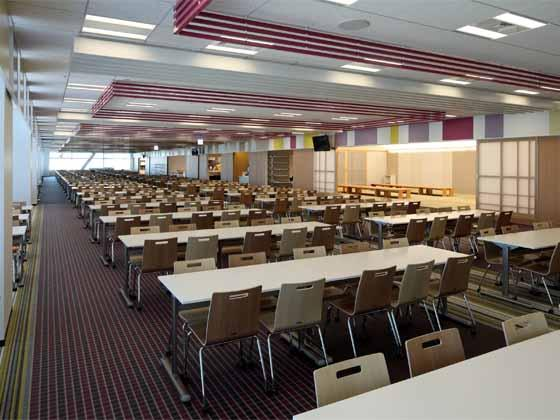 System consulting company/【Café area】Café hall and Japanese-style private rooms that can be used for a variety of purposes