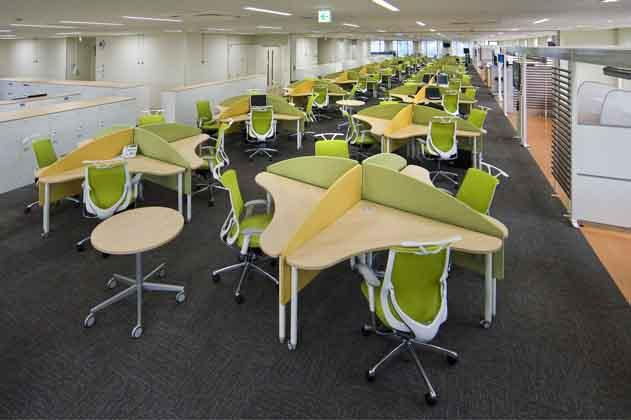 NTT West Kumamoto Branch/【Office area】A free address space (for the marketing and technology divisions) which revitalizes the exchange of information transcending organizational boundaries