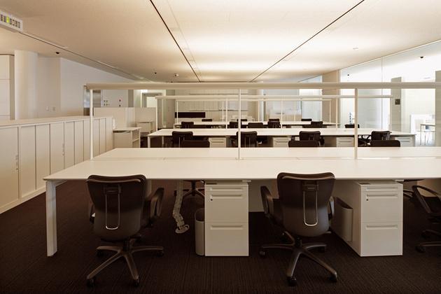 JA Tokyo Musashi/【Office area】From evening to night, low-stimulation warm white lighting used