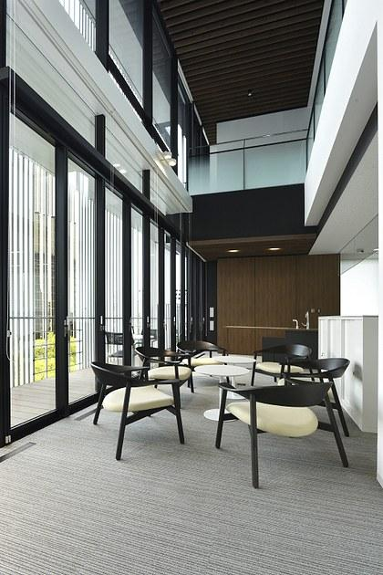 Sumitomo Wiring Systems, Ltd./【Open-ceiling】This space helps create a sense of unity between workers and can be used for taking a mental break from work.