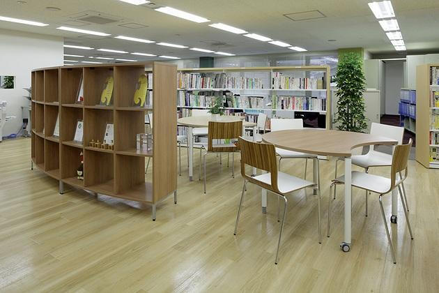 Cleanup Corporation/【Area entrance】Information exchange and distribution are possible in this high-traffic space.