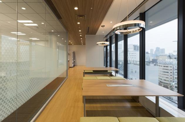 Group Holdings/【Refresh 2】The refresh space is also frequently used for discussions.