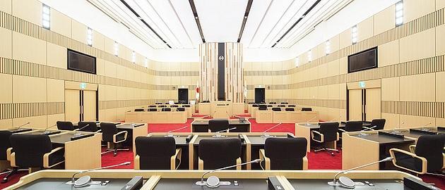 Nagahama/【Assembly hall】The assembly hall uses a bright woodgrain motif.