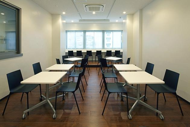 Mizorogi & Co., Ltd./【Refresh area】The refresh area is a multipurpose space that can also be used for office meetings, etc.