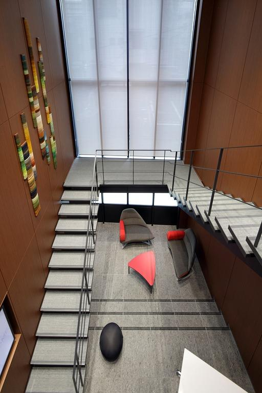 Muranaka Medical Instruments Co., Ltd./【Visitor entrance 2】The high-ceilinged entrance space as seen from the second floor.