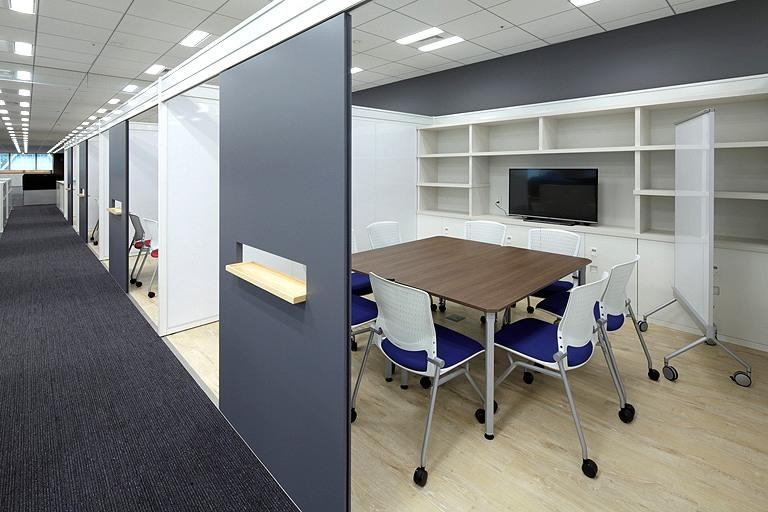 Tanseisha Co., Ltd./【Office area】Department workshops. The loft space can be freely arranged for discussions, document stocks, etc.