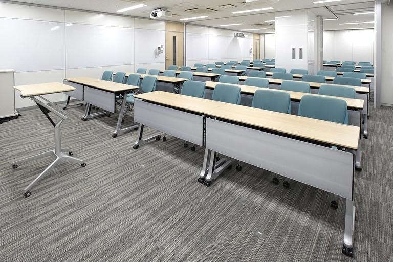 Taiyo Life Insurance Company/【Training room】The block panel wall surface functions as a white board (middle tier).