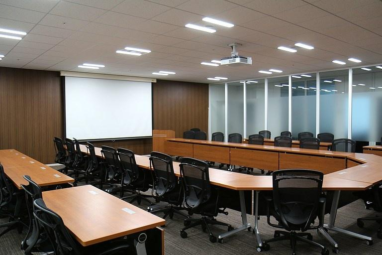 Ebara Foods Industry, Inc./【Decision room】An executive conference room for important decision making.