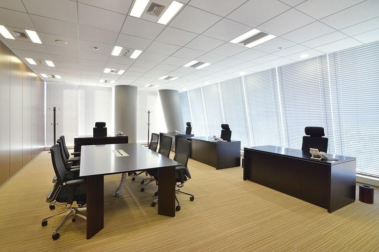 TIS Inc./【37F Executive office】The four occupants can quickly share information.