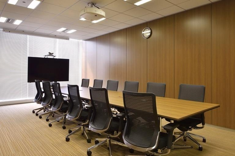 TIS Inc./【37F Executive conference room】The video conferencing system is the same as in the regular conference rooms.