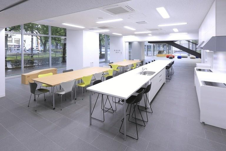 Sendai Oroshisho Center/【Living lounge】This space can be rented for use for special events (as waiting room, room for light meals, etc.).